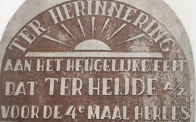 Gedenkplaat na 50 jaar terug in Ter Heijde